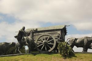 Settler's statue in Montevideo