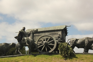 Settler's statue in Montevideo