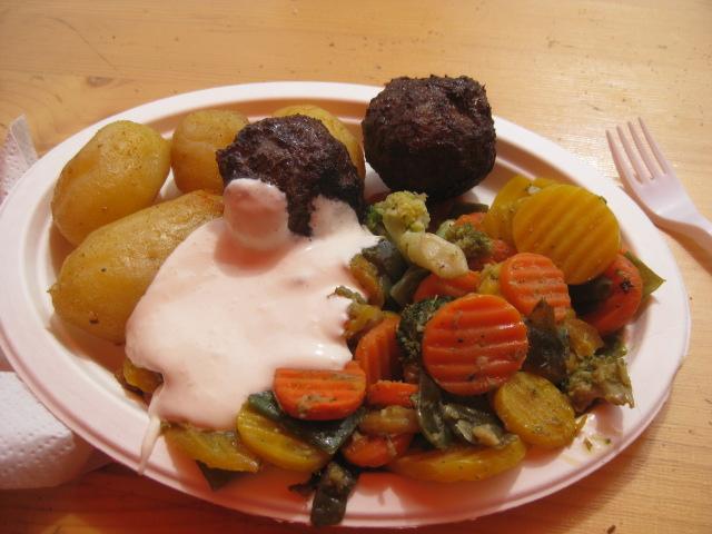 """Paella"" with smoked reindeer meatballs"