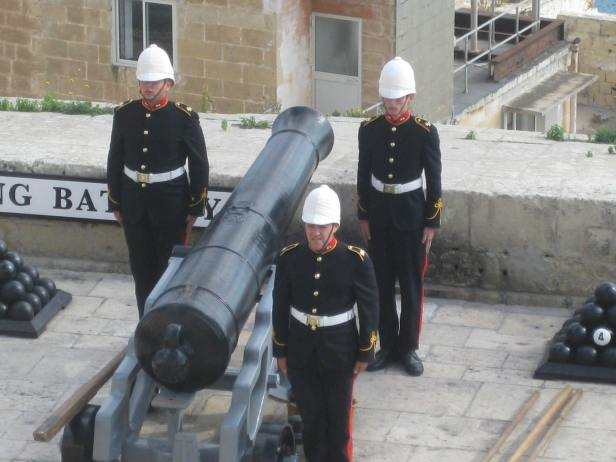 Cannon Firing at Upper Barrakka Gardens