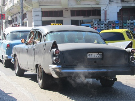 Exhaust and full car i  Havana!
